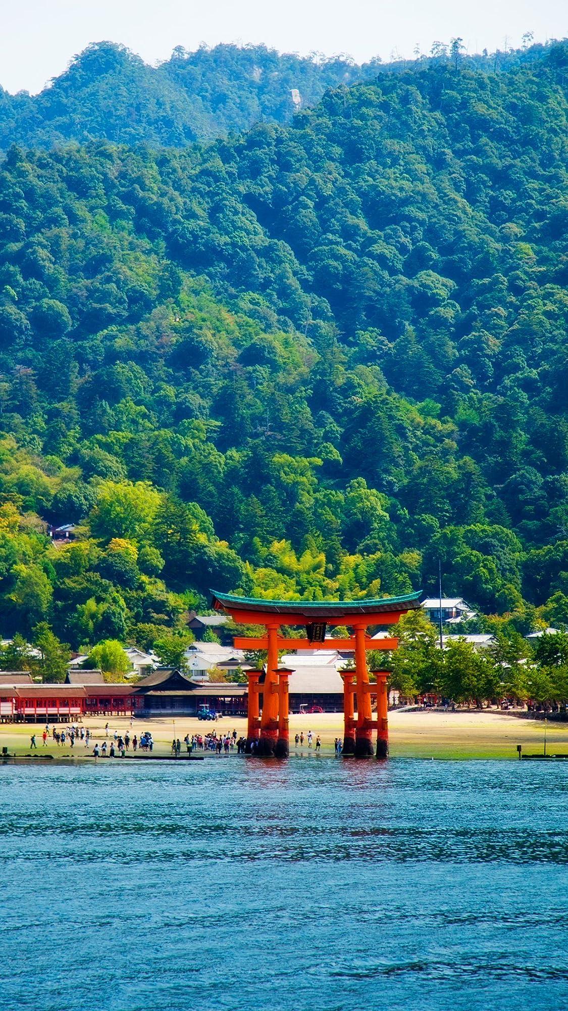 世界遺産 厳島神社  iPhone8,7,6 Plus 壁紙 拡大(1125×2001)画像