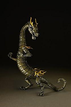 「龍」独自の長い身体を40以上のパーツで構築